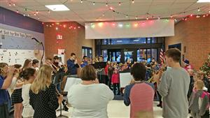 Holiday Music Welcomes Students